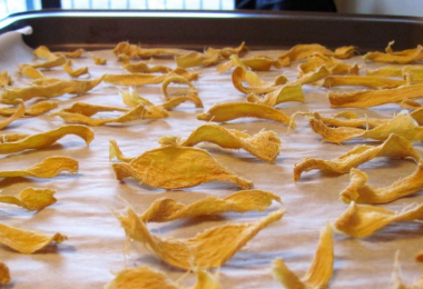 dehydrating ginger in the oven