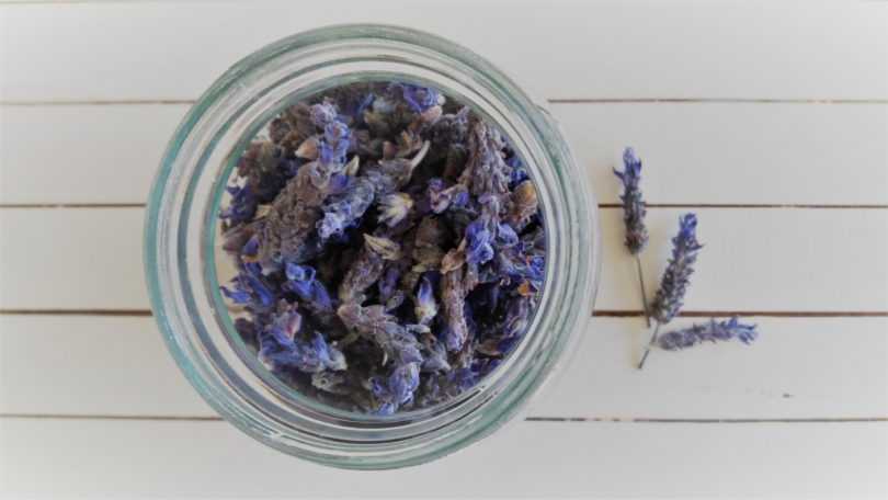 how to store dried lavender