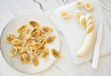 how to dry bananas